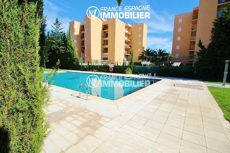 maison a vendre espagne costa brava, ref.2824, vue sur la piscine communautaire
