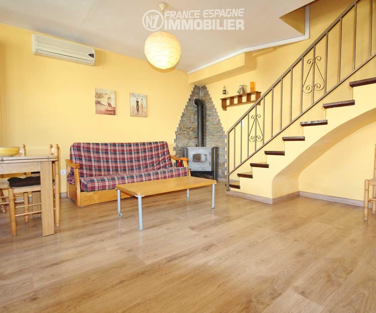 immobilier roses espagne: villa ref.2945, salon / séjour avec belle cheminée