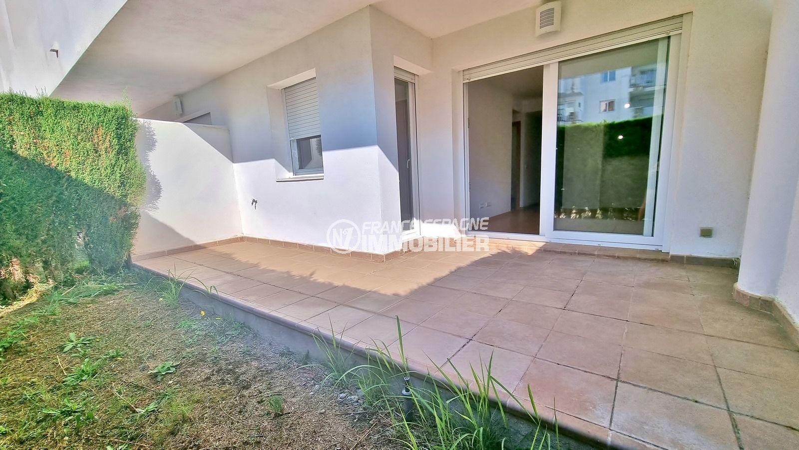 appartements a vendre a rosas, ref.1273, résidence standing, jardinet de 11 m², piscine