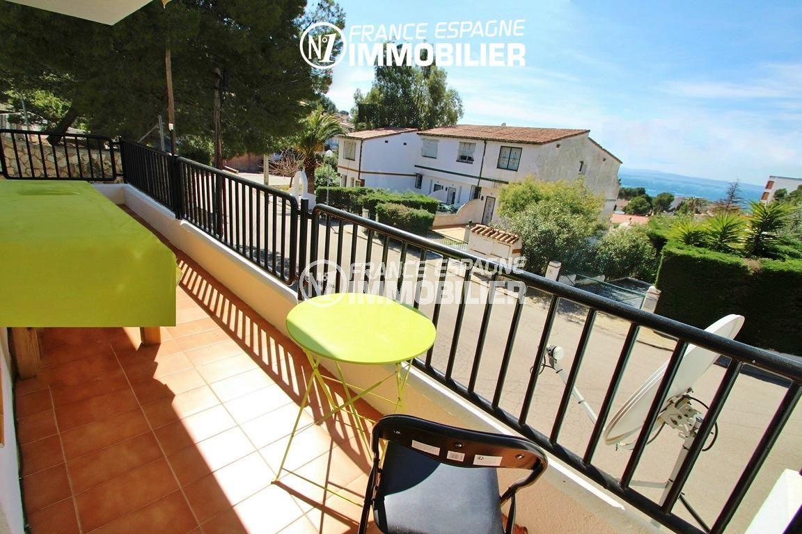 vente appartement rosas, ref.2862, vue sur la mer depuis la terrasse accès salon
