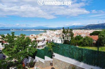 villa ref.2560, avec vue mer, proche plage, garage et cave, agence immobiliere rosas