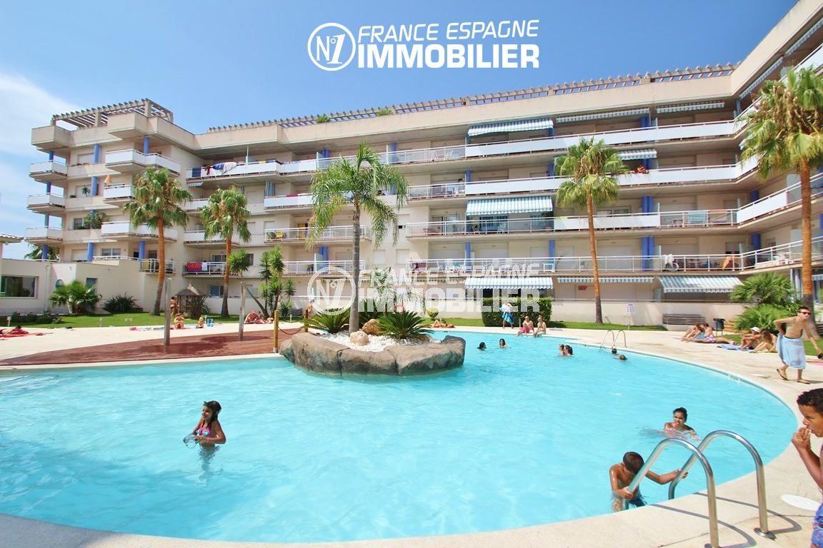 vente appartement rosas, avec piscine dans la résidence | ref.2647