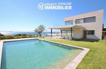 maison a vendre espagne, ref.2391, vue sur le jardin et la villa de 446 m²