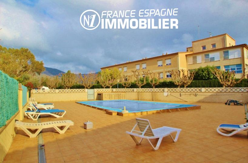 maison a vendre costa brava, 153 m², piscine en commun, 3 chambres, garage 29 m²