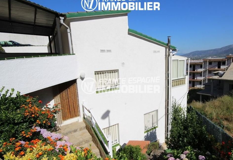immo costa brava: villa 108 m², ref.2943, aperçu façade et entrée