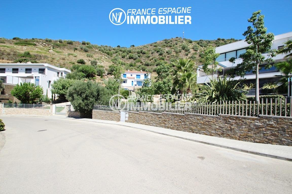 immobilier espagne bord de mer: ref.2625, vue sur la villa et son voisinage