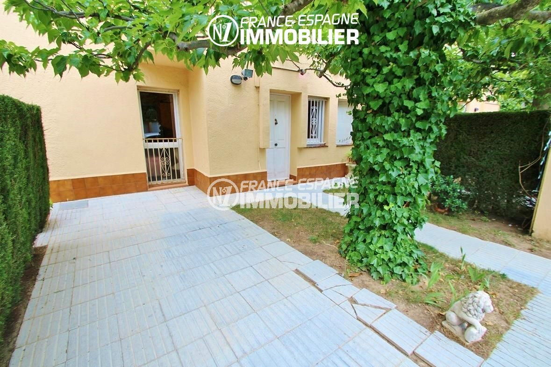 maison a vendre rosas, ref.2824, aperçu de la porte d'entrée de la villa
