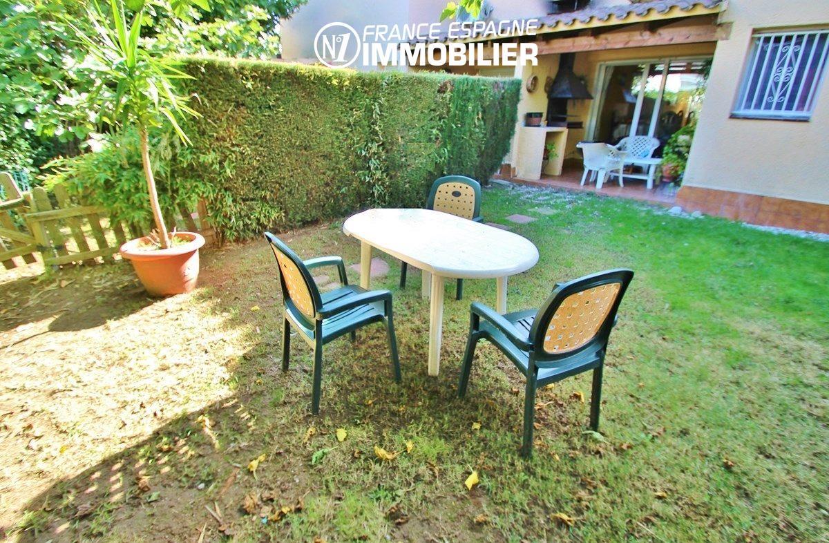 immo roses: villa ref.2824, jardin de 128 m² avec terrasse accès salon