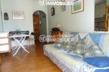vente appartement empuriabrava, proche commerces, salon / séjour avec rangements