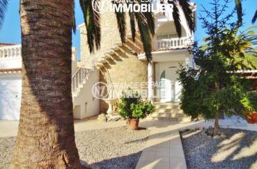 maison a vendre empuriabrava, ref.2110, vue sur l'allée du jardin 461 m²