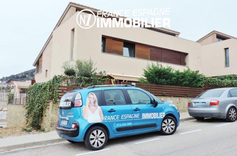 achat immobilier costa brava: villa ref.2482, façade extérieur vue de la rue