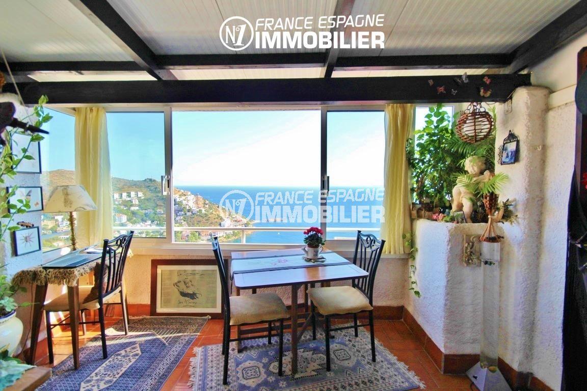 roses espagne: villa 65 m², vue sur la mer depuis la terrasse véranda