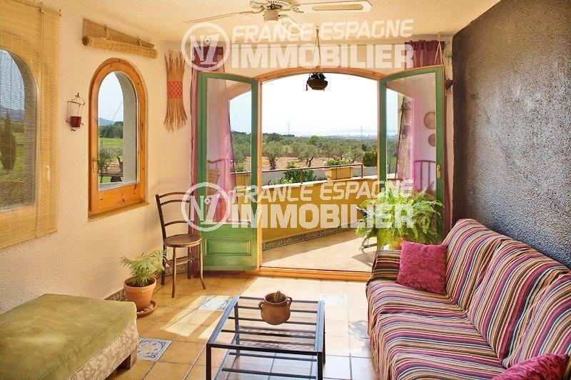 maison a vendre espagne, ref.354, vue sur le salon avec accès à la terrasse
