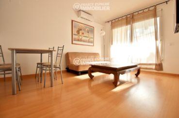immobilier costa brava: appartement ref.1741, vaste séjour /salle à manger