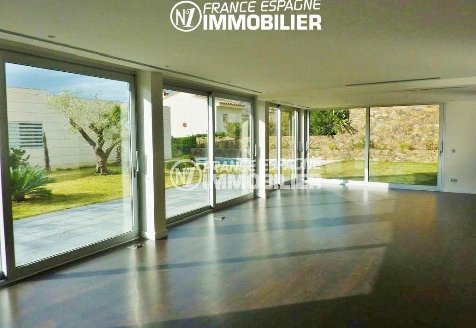 agence immobilière rosas: villa ref.2392, séjour / salle à manger accès terrasse / jardin