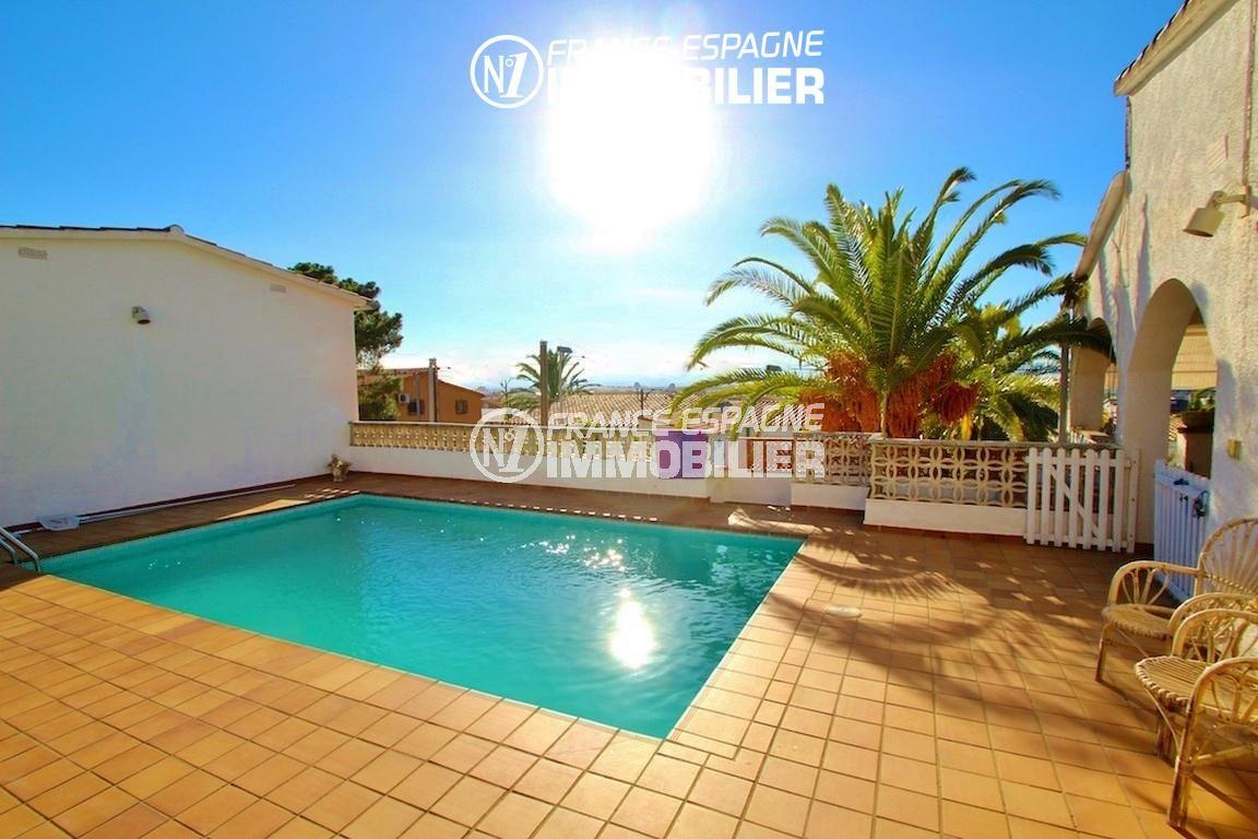 immo roses espagne: villa ref.2596, vue sur la piscine accès terrasse