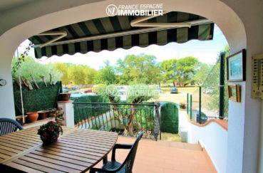 immo empuriabrava: villa ref.3271, vue terrasse vers l'extérieur, coté entrée