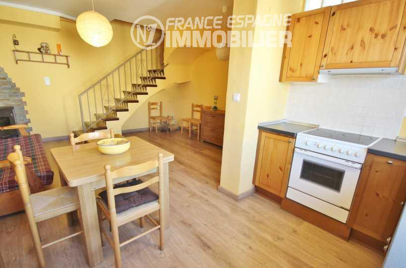 roses immobilier: villa ref.2945, salon / séjour avec cuisine ouverte