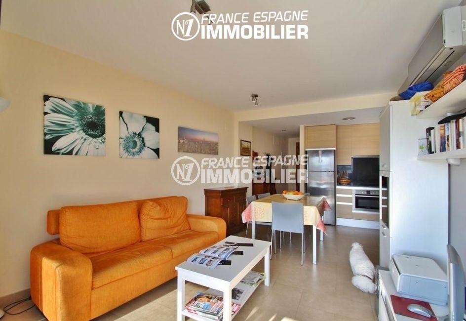 appartements a vendre a rosas, ref.2848, salon / séjour avec cuisine américaine ouverte