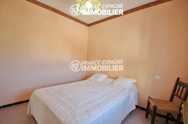 appartement costa brava, ref.780, première chambre avec un lit double