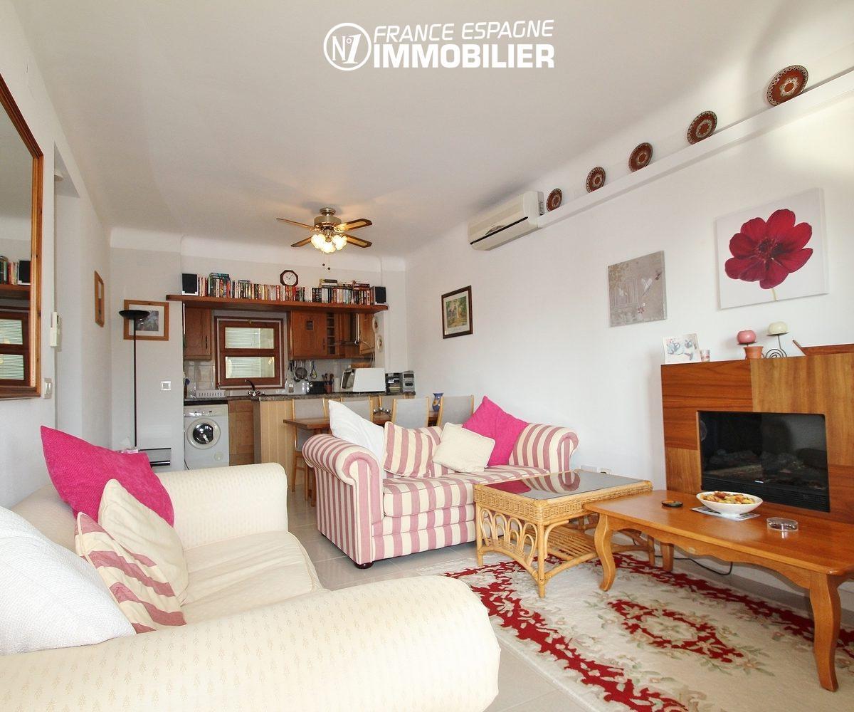 appartement empuriabrava: vue canal, piscine, terrasse 14 m²