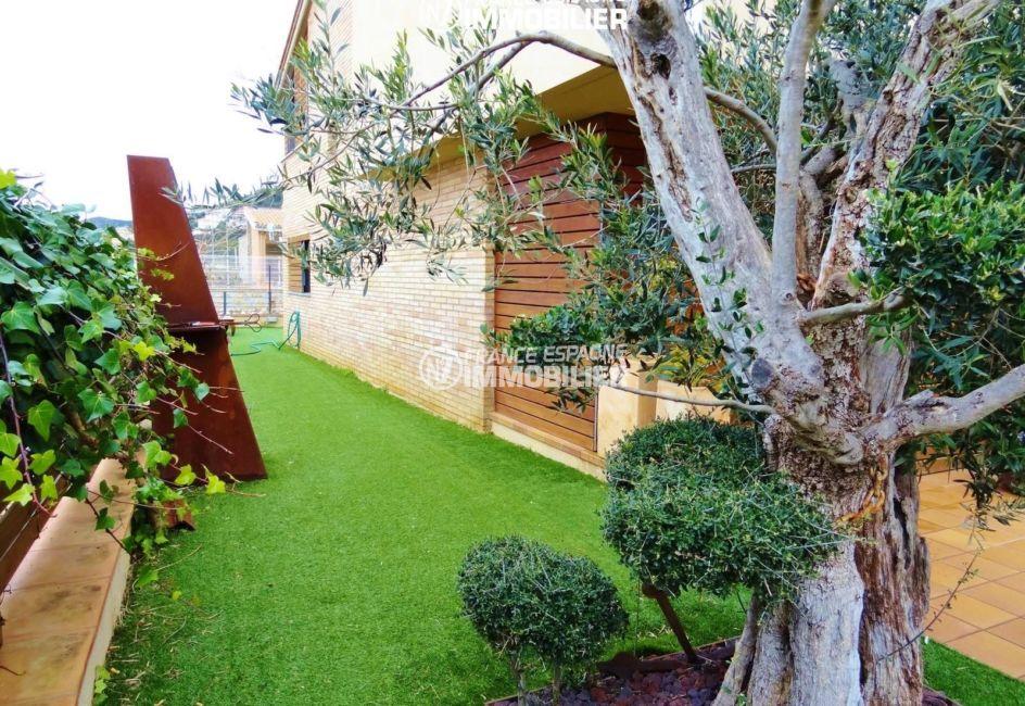 maison a vendre espagne costa brava, ref.2482, aperçu du terrain de 180 m²