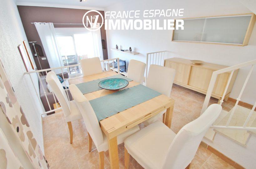 immo roses: villa ref.2735, espace salle à manger avec des rangements