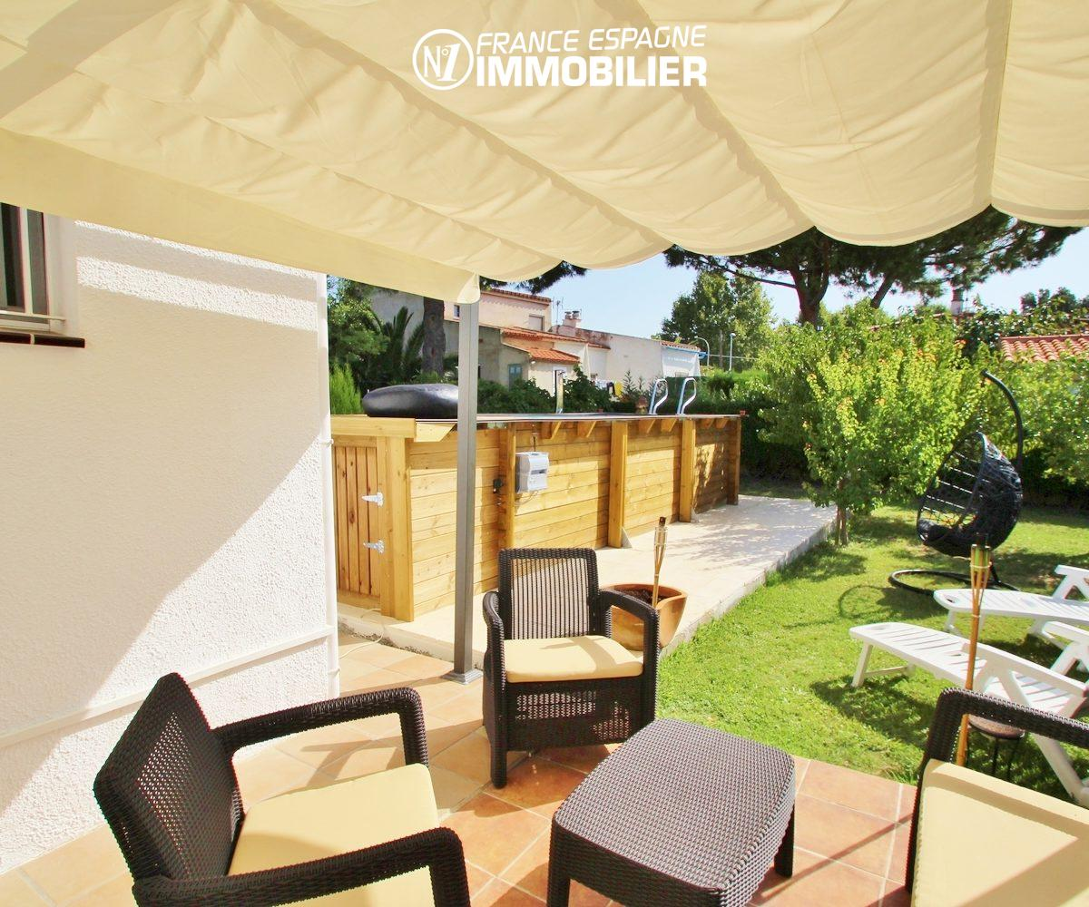 agence immobilière empuriabrava: belle villa 3 chambres, piscine & jardin
