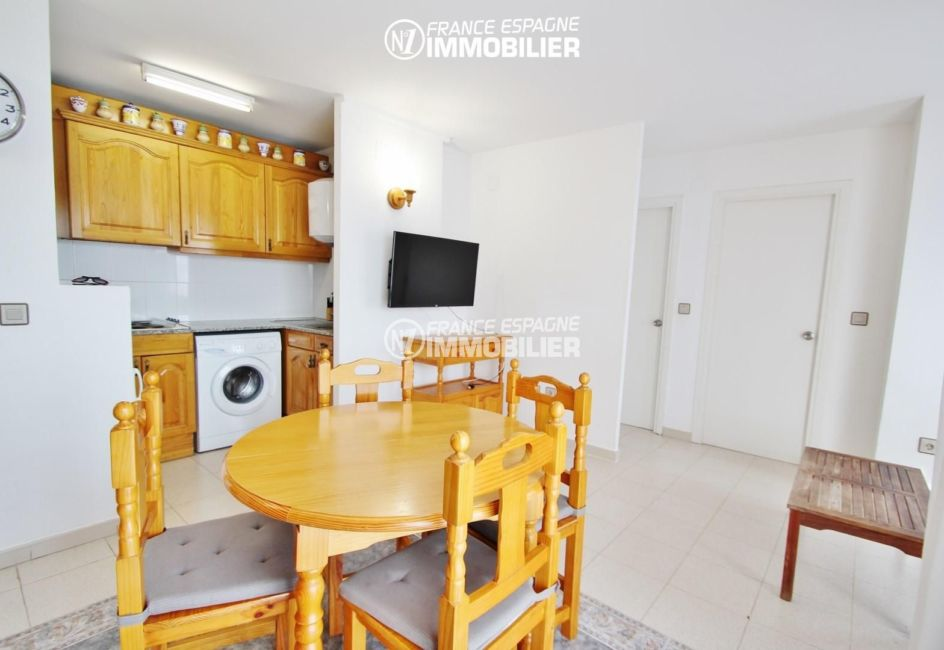 immo rosas: appartement ref.2765, le coin salle à manger et cuisine