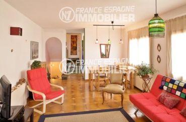 la costa brava: villa ref.354, salon / salle à manger au premier étage