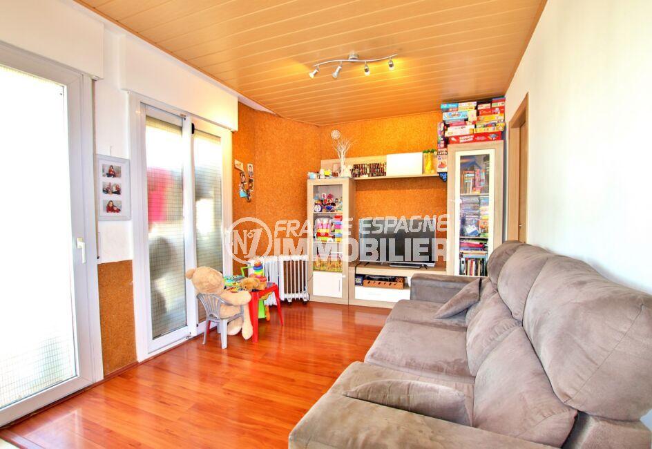 acheter appartement costa brava, 3 pièces 55 m², séjour avec 2 porte-fenêtres