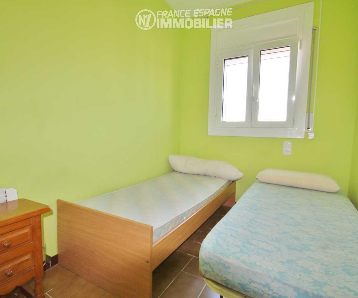 vente immobiliere rosas espagne: villa ref.2945, deuxième chambre avec 2 lits simples