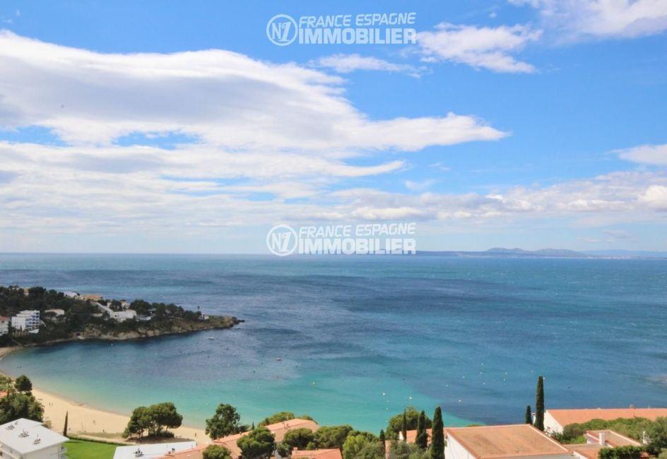 immocenter roses: appartement ref.2862, magnifique vue de la mer environnante