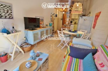 agence immo empuriabrava: appartement ref.3283, de nombreux rangements dans le salon