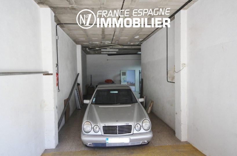 local commercial à vendre ref.3108, aperçu du garage pour une voiture