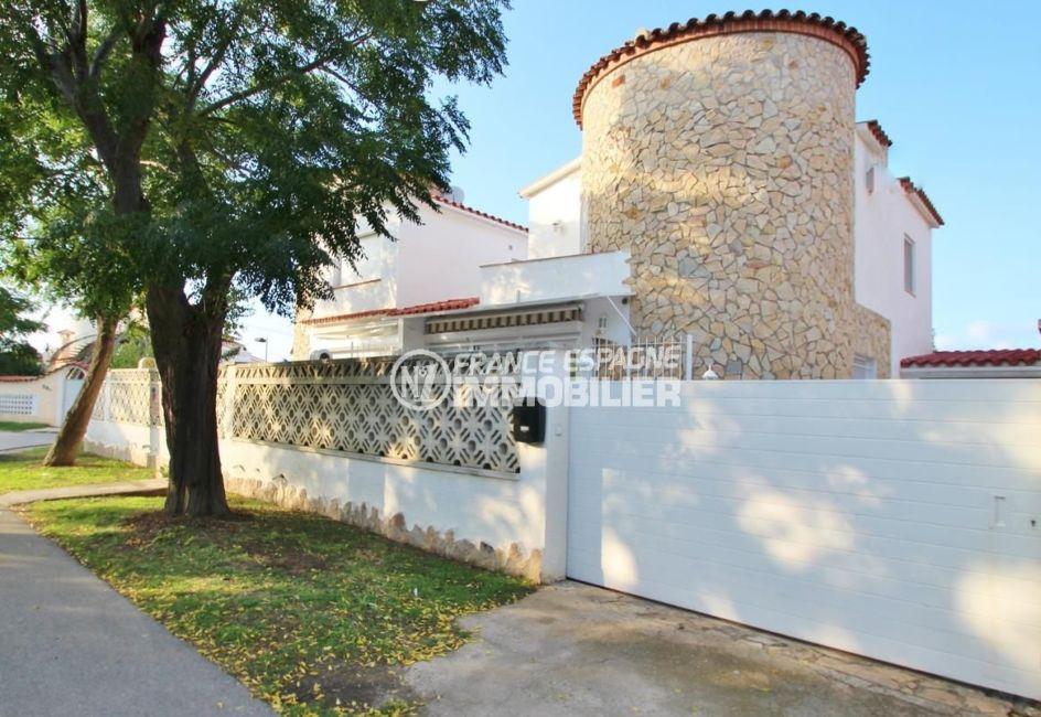 immobilier empuria brava: villa ref.1939, portail coulissant électrique