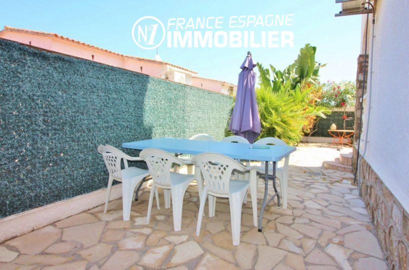 immobilier costa brava, villa 150 m², proche plage avec jardin, piscine, 3 chambres
