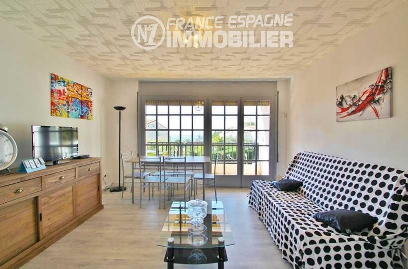 appartement a vendre rosas, ref.2862, vendu meublé et équipé, terrasse vue mer, plage à 200 m