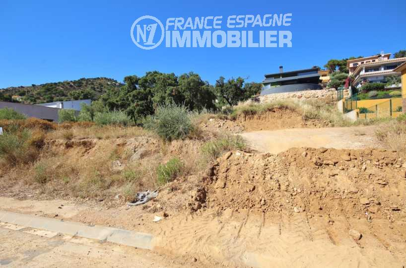 agence immobiliere palau saverdera: terrain constructible de 606 m²