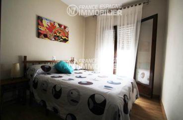 maison a vendre a rosas, ref.3006, première chambre avec un lit double
