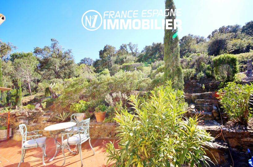 maison a vendre espagne costa brava, ref.2901 proche Llança, aperçu du jardin, coté terrasse
