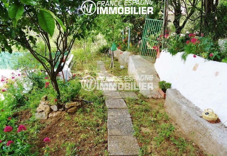 terrain arboré de 430 m² | villa ref.2560
