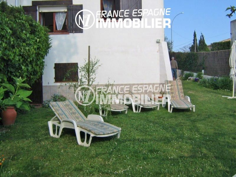 maison à vendre empuriabrava, 108 m², aperçu du jardin entretenu espace détente