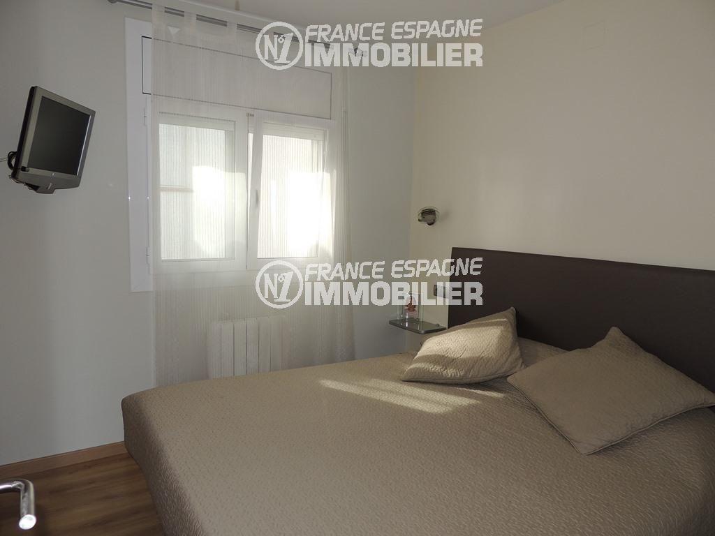 vente immobilier rosas espagne: villa ref.2470, première chambre avec un lit double