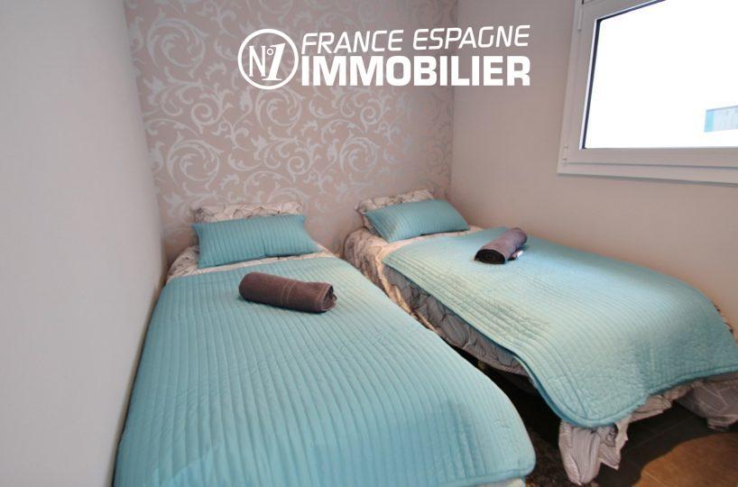 roses espagne: appartement ref.2879, chambre 2 avec 2 lits simples