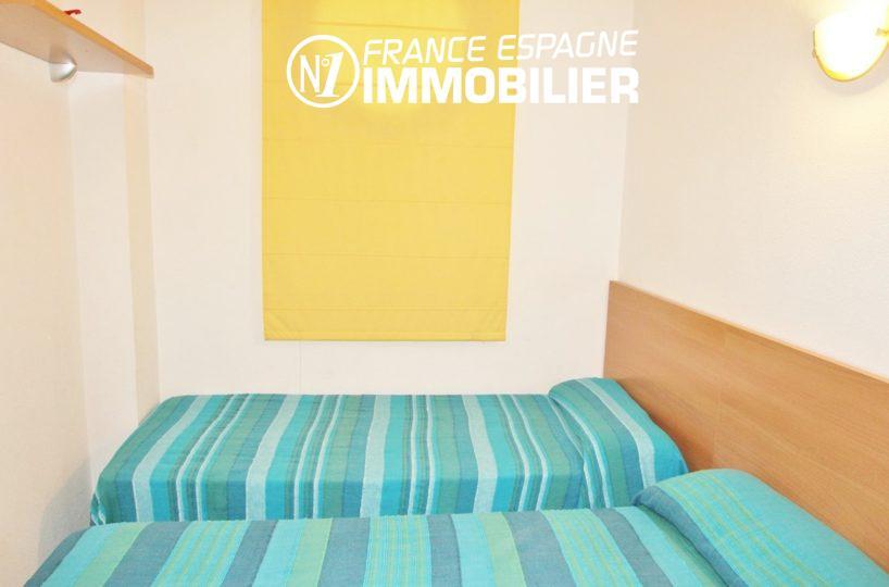 vente appartement rosas espagne, seconde chambre avec lits doubles | ref.2647