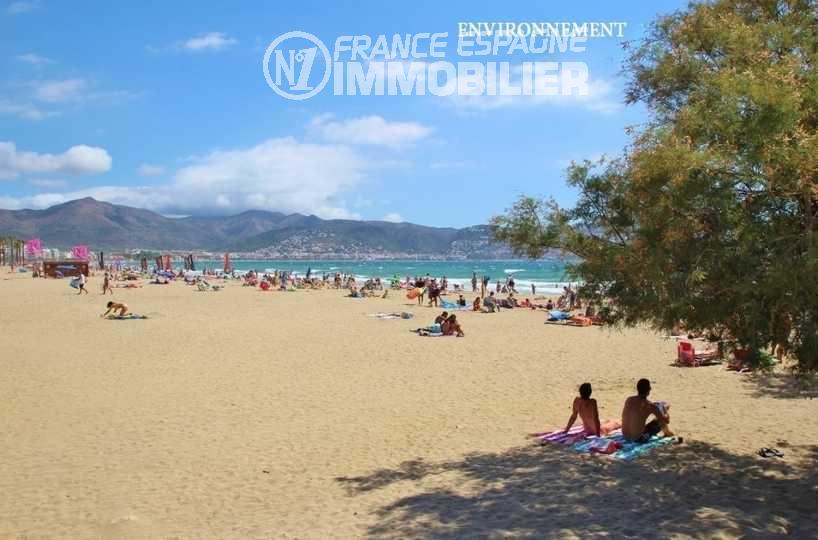 la costa brava: ref.3481, vue sur les montagnes et la plage environnante
