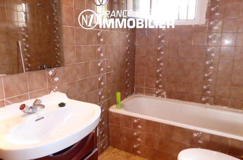 agences immobilières empuriabrava: ref.1890, salle de bain: baignoire, vasque et wc