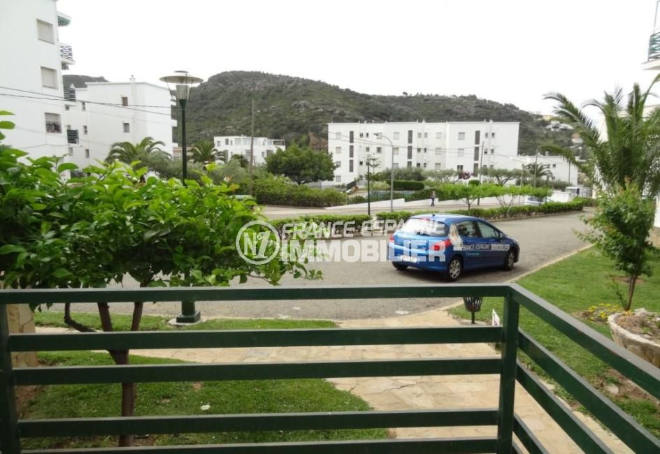 immocenter roses: appartement ref.2162, vue dégagée depuis la terrasse