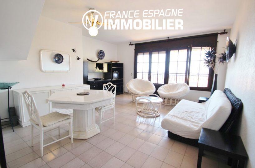 immobilier roses espagne: villa ref.2625, salon / séjour avec carrelage et rangements